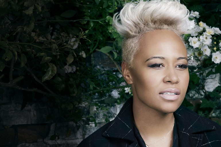 emeli-green-background-770.png